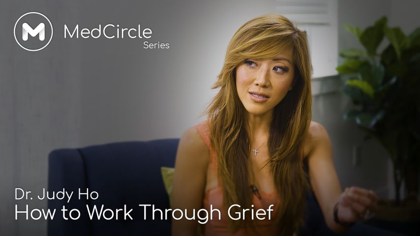 Professional Help for Grief: Signs You Need It & If It's Working